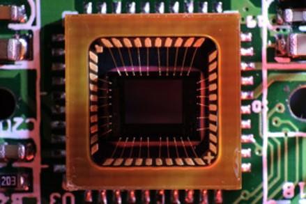 CCD یا CMOS